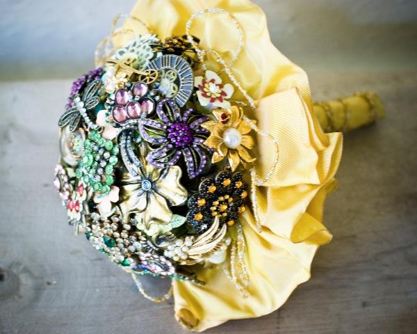 brooch bouquet DIY