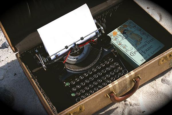 Wedding guest typewriter
