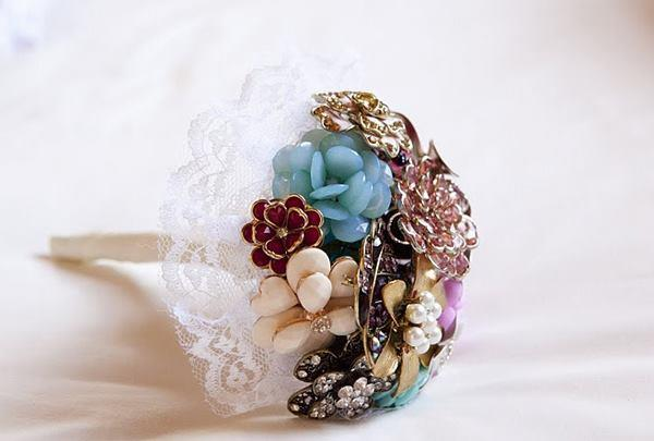 Ben and Amy - real wedding  -  brooch bouquet
